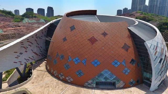 重庆国际马戏城主体完工 梦幻十足