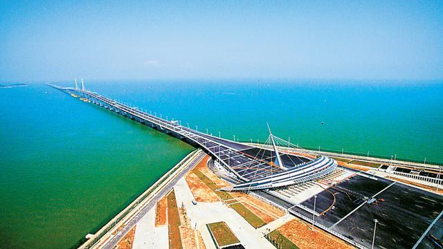 庆人参与港珠澳大桥建设