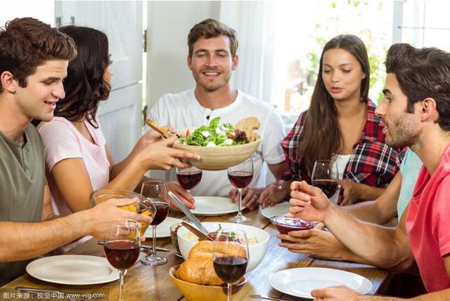 """""""过午不食""""有助减肥?"""