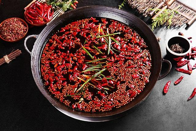 谁说夏季不宜吃火锅?它是燥湿养阳的好方式