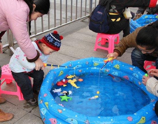 融科城嘉年华游园活动在聚孞美欢乐上演