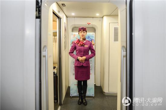 西成高铁正式通车 重庆首趟列车8:20开出