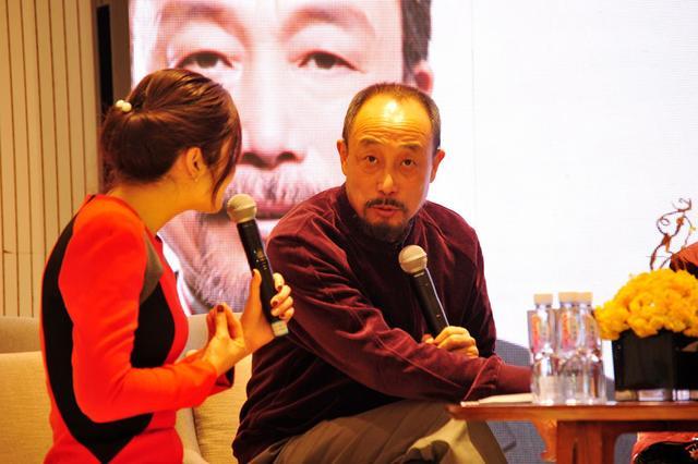 吕丽萍夫妇携手现身《独自温暖》重庆分享会