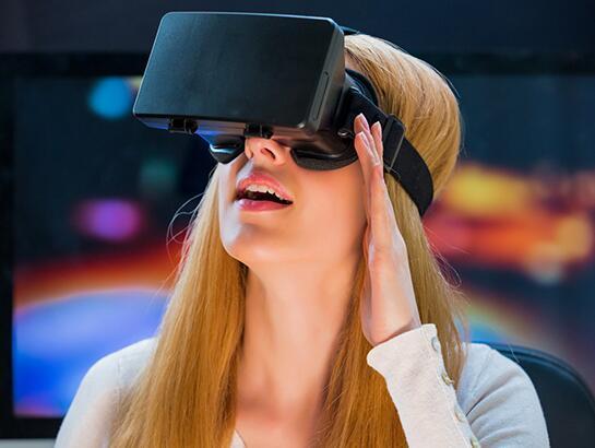 终于要摆脱有线束缚?AMD买下无线VR公司