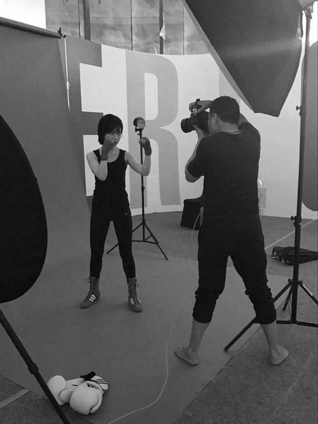 专访肖全:拍摄200位重庆女人的背后——为时代存像