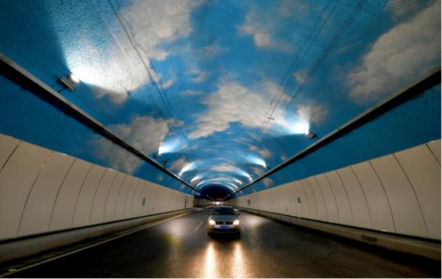 华岩隧道今日通车 10分钟穿越中梁山直达白市驿