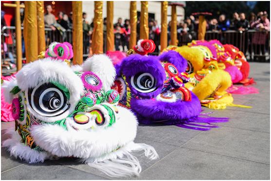 """重庆时代广场举办""""开工舞狮庆典"""""""