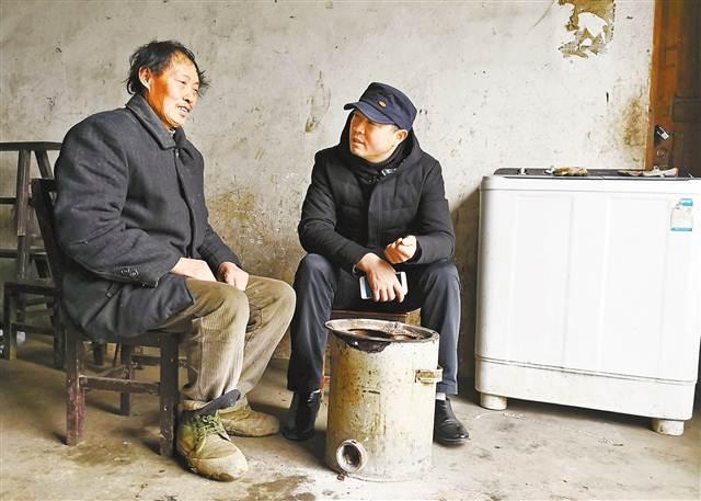 """要过年了 重庆的""""第一书记""""们在忙啥?"""