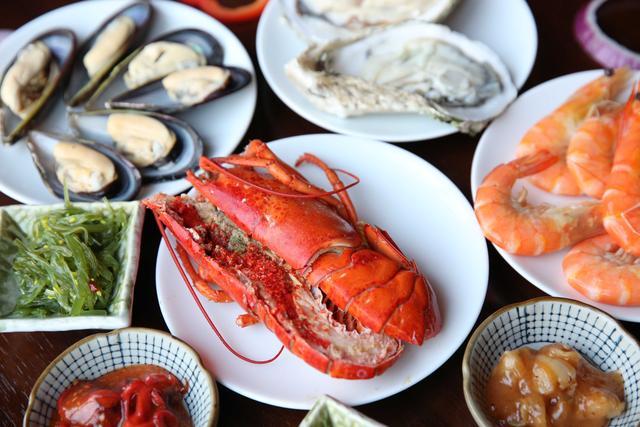 重庆富凯悦酒店3月8日推出女王的盛宴
