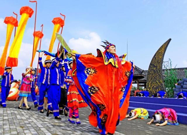 万盛石林第二十届苗族踩山会将于周日举办闭幕式