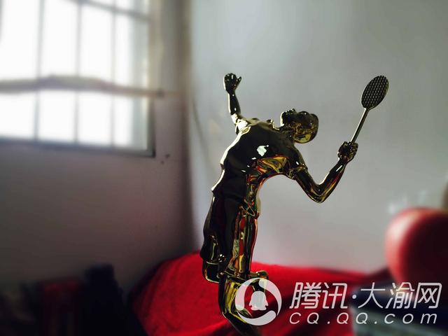 """【重庆学神NO.15】跟随张亚雯学球2年 重庆9岁""""羽林高手""""大杀四方"""