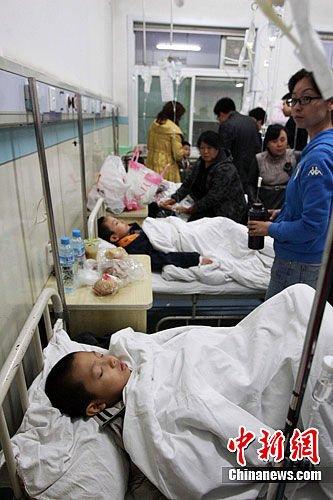 太原141名小学生疑似食物中毒入院(图)