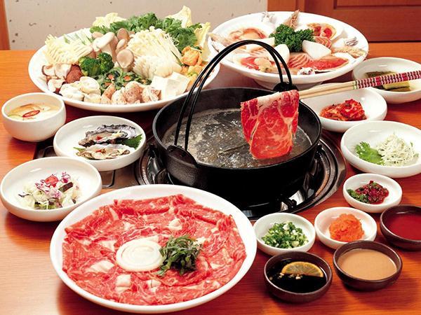 吃火锅也有学问 锅底异常香味需警惕