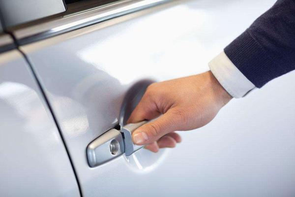 保障乘客安全是网约车规范发展的底线