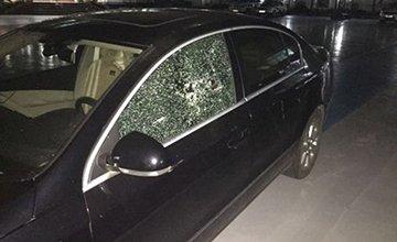车窗被砸怎样便宜、快速解决?