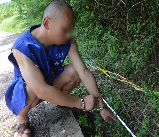 两毛贼囊中羞涩偷电缆卖钱 警方靠监控揪出其踪迹