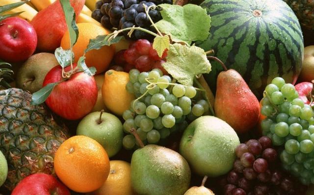 水果只要有一处烂,最好整个水果都扔掉