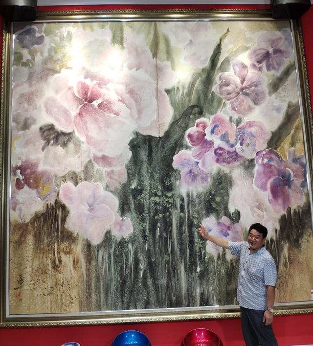 许世虎把美术馆开到社区 馆里还珍藏了世界上最大的水彩画