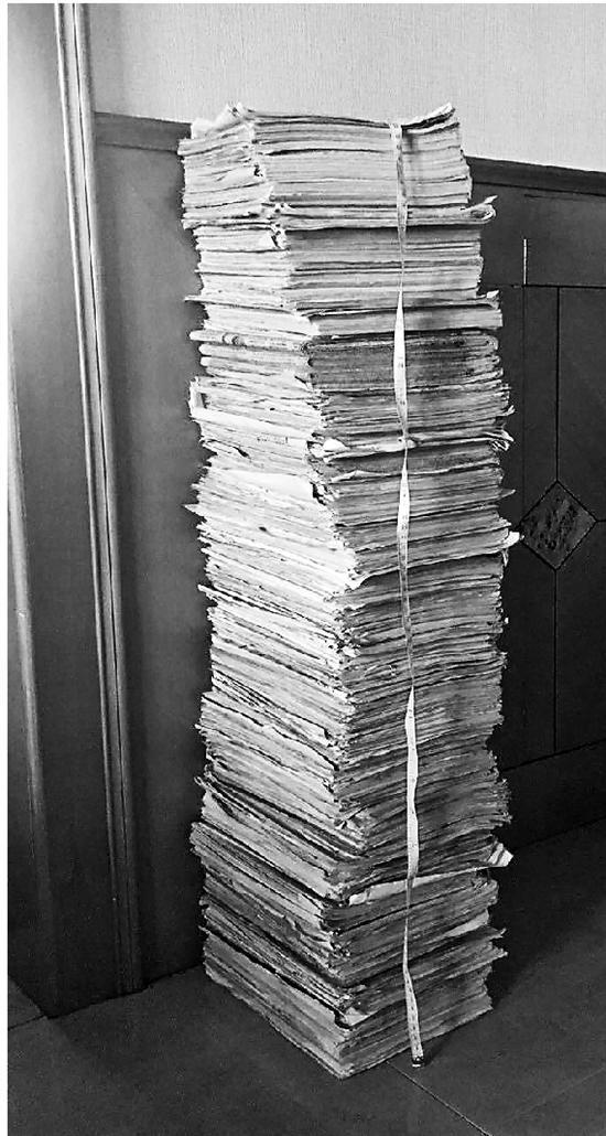 小学到高中要做多少份卷子 足足91厘米高
