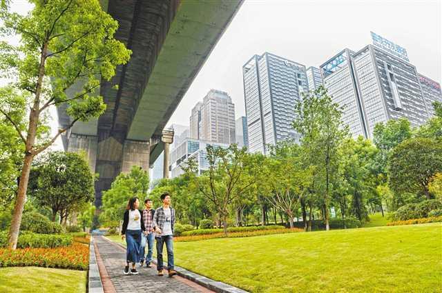 重庆:26座城市隧道年内完成照明整治
