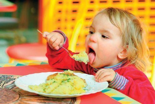 妈妈学会6方法 培养宝宝吃饭好习惯