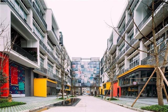 """13.7万平旧厂房爆改成""""重庆国际文化艺术空间"""" 12月好多新耍事图片"""
