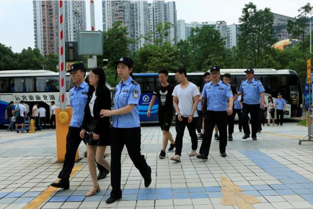 """重庆警方深入推进""""渝警行动2018""""专项工作"""