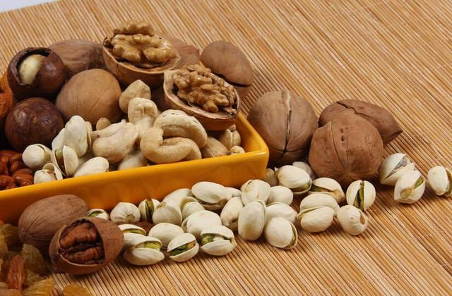 这5种健康食物,吃过量会发生什么