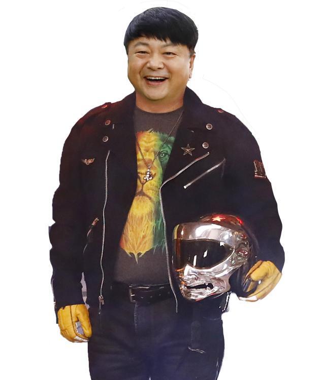 龙一同名小说改编 胡可、包文婧领衔主演话剧《潜伏》