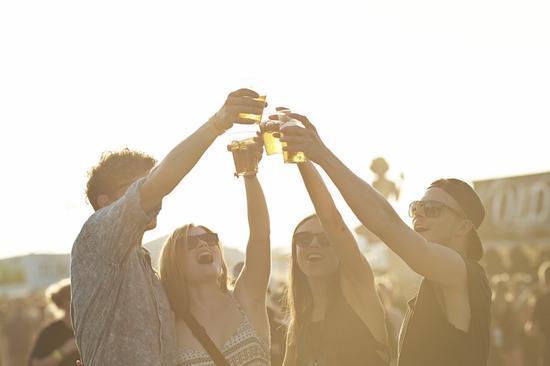 """""""适量饮酒软化血管""""观点来自哪里 是真的吗?"""
