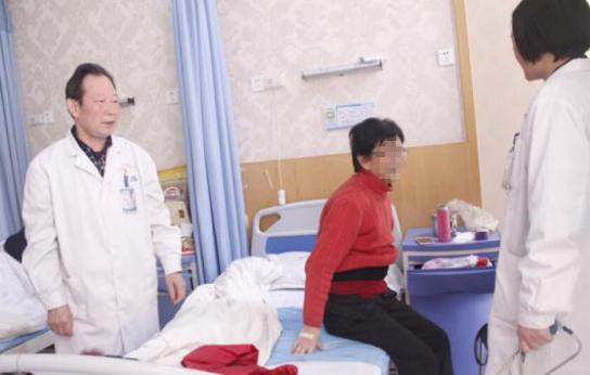 八旬老太连遭变故疾病缠身 爱心治疗助其重获健康