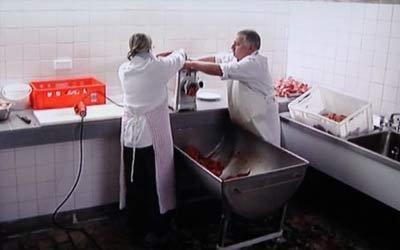【大家】比中国人会吃猪肉的德国人