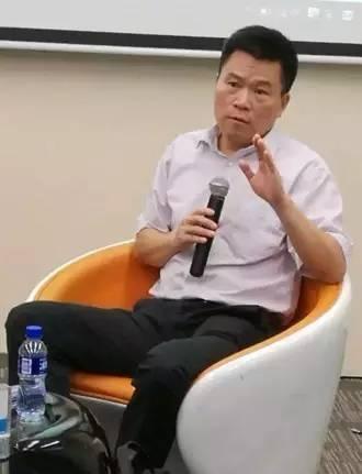 郭德纲困境:当传统师父,还是做现代校长?