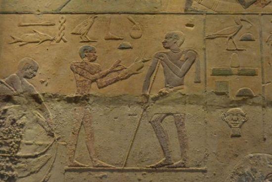 为何古埃及艺术作品中人像扁平?图片