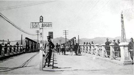 被忽略的历史:中国的道路为何要改成右侧通行?