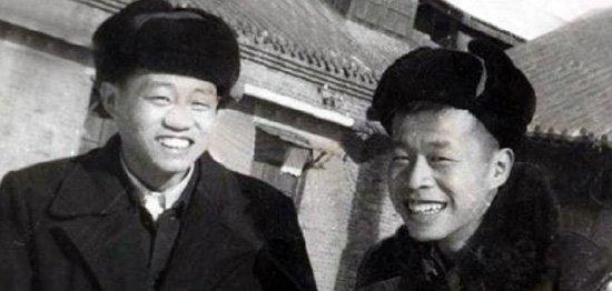 年轻时代的王小波(右)