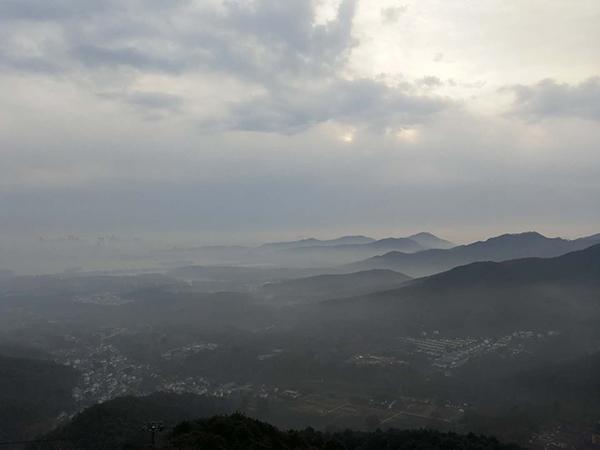 在杭州,越过那些有故事的山丘