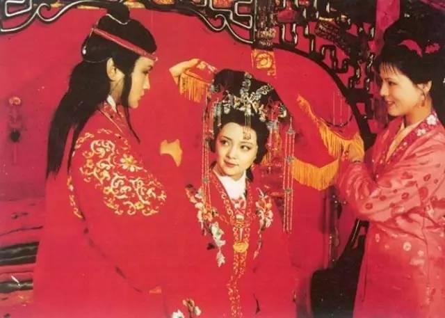 细读红楼梦:黛玉和宝钗,贾母心里更为中意的是谁?