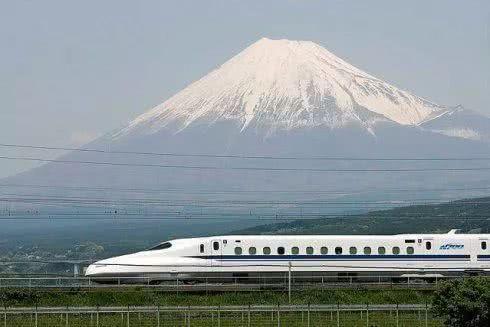 21世纪日本经济_...:佚名 来源:21世纪经济报道 浏览:-2011年AIA荣誉奖 喧闹城市中...