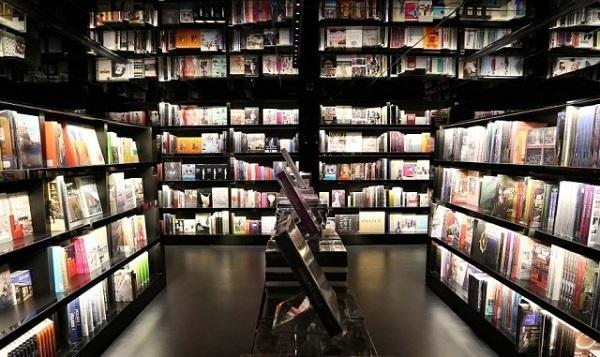 实体书店行业回暖迹象明显 打造城市文化生活新空间