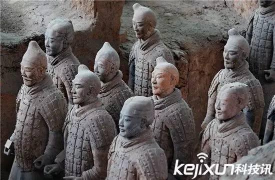 秦始皇兵马俑为什么不带头盔?真相令人毛骨悚然!