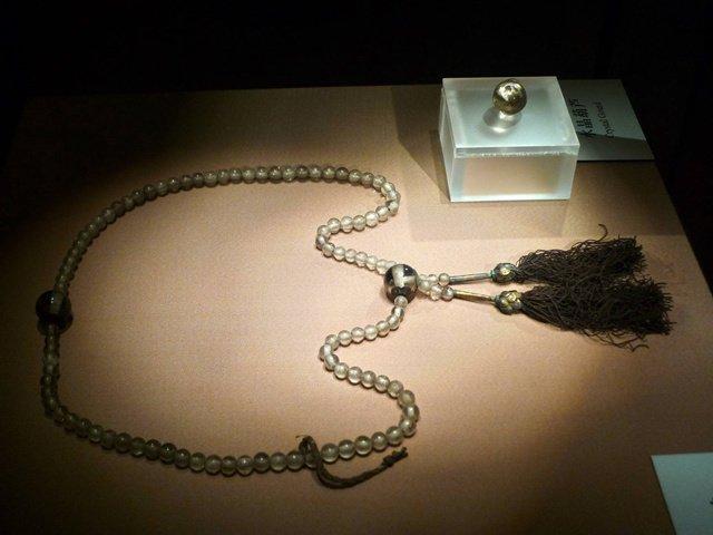 南京长干寺地宫出土的宋代水晶数珠