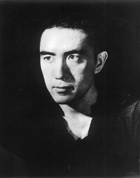 莫言:三岛由纪夫是个彻头彻尾的文人