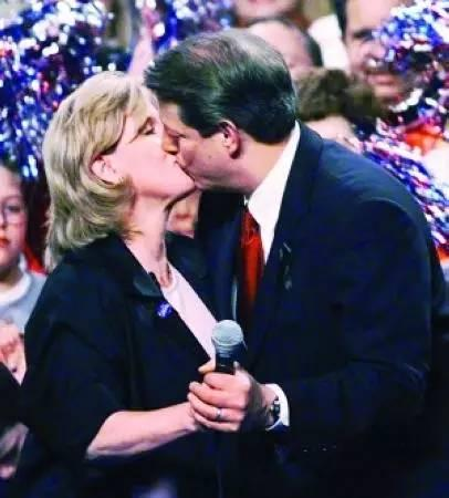 钱满素:回味2000年的那场美国总统大选|检书114