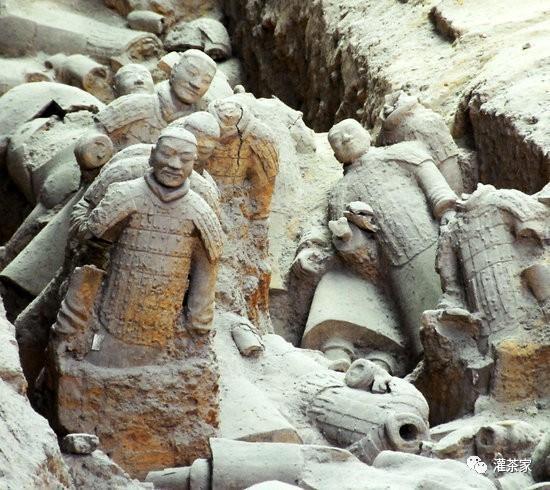 为什么后世会对秦始皇的历史功业评价那么低?