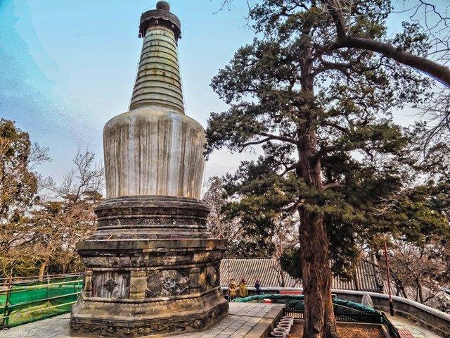 大觉寺白塔