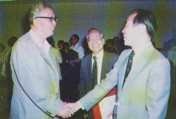 逝者:香港大学首任华人校长黄丽松