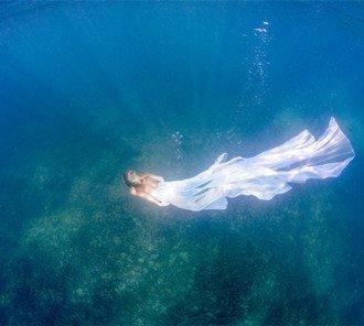 当自然与艺术相撞 唯美创意水下人像