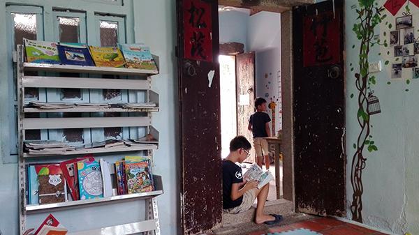 潮汕女孩打工返乡开图书室:要减少未成年人外出打工