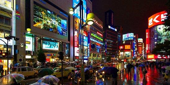 中国经济总量超过日本,但是人均算大约也只有日本的1/10。图为东京街景